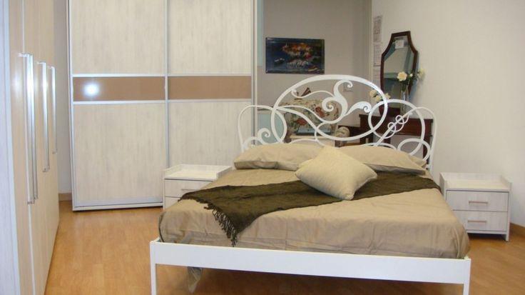 Dormitor Modern Dressing din MDF cu nuanta de Lemn Alb ce dispune de usi glisante si Profil Aluminiu la comanda Bacau