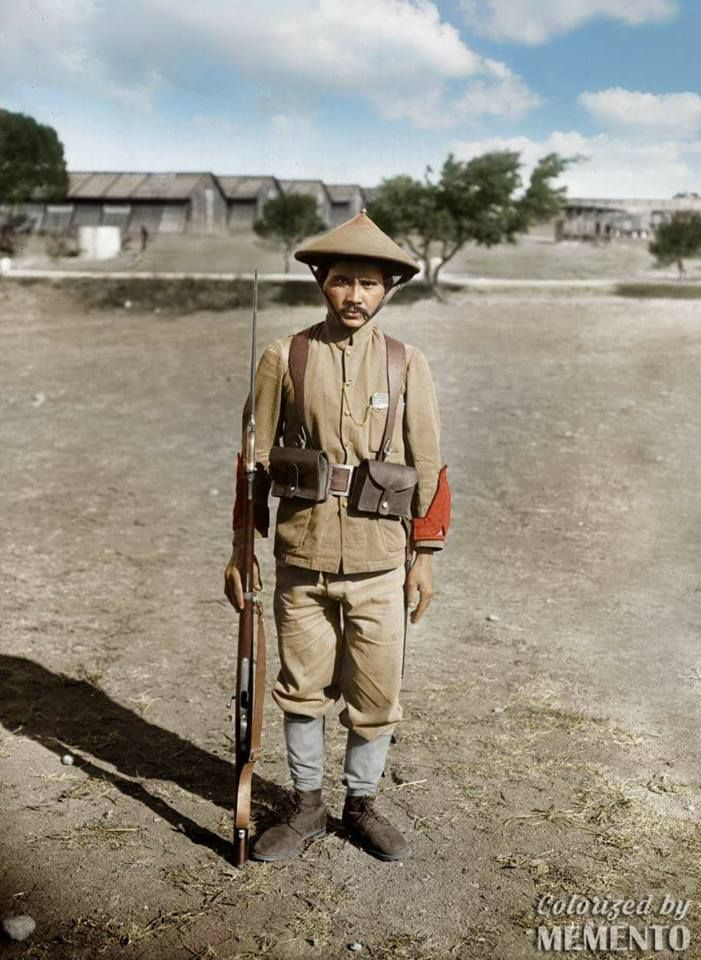 Annamites in Saint-Raphaël, France, 1916    At the start of WW1, Asian soldiers are considered unlike the  Africans soldiers unfit for combat on the European front. Some battalions will fight at Verdun, at the Chemin des Dames with great courage, in Champagne, and on the Eastern Front; 1,123 died.