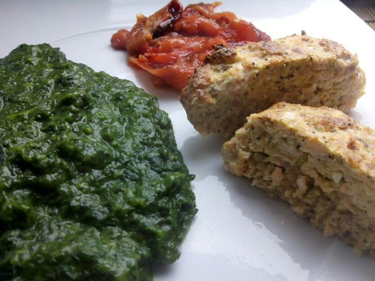 Hamburguer de salmão+pimento assado+esparregado
