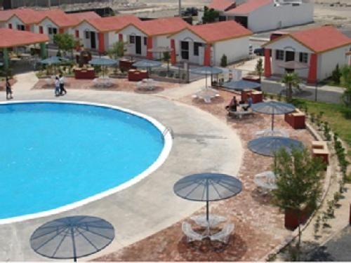 MI+MUNDO:+MONTERREY+MEMORIES:+Cañadas+de+Mina+Resort+:+Cañadas+de+Mina+Resort+es+un+gran+Oasis+en+medio+del+Desierto,+encuentre+un+descanso+placentero+y+un+deleite+sin+igual+con+todas+y+cada+una+de+las+atracciones+que+le+ofrece.+  +      Magnífico+entorno+natural+con+extensos+y+bellos+jardines,+alberca+con+tobogán,+chapoteadero,+canchas+deportivas,+salón+de+eventos,+capilla,+renta+de+motos+y+lago+artificial.+                Carretera+Monterrey+-+Monclova+km.+43