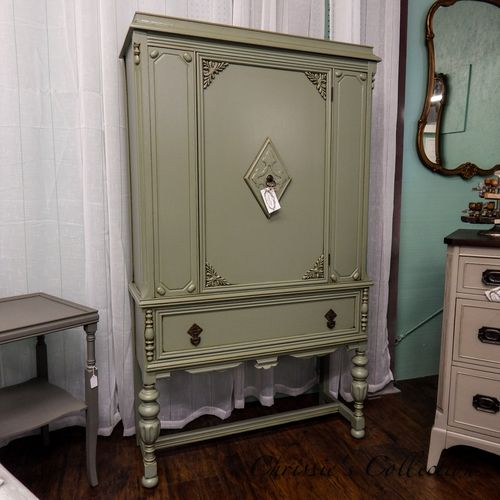 Blind china cabinet painted in general finishes basil with for Amy howard paint kitchen cabinets