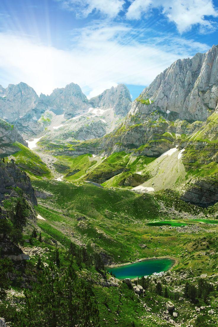 Let's visit the beautiful mountains in Albania! #travel #albania #haisitu www.haisitu.ro