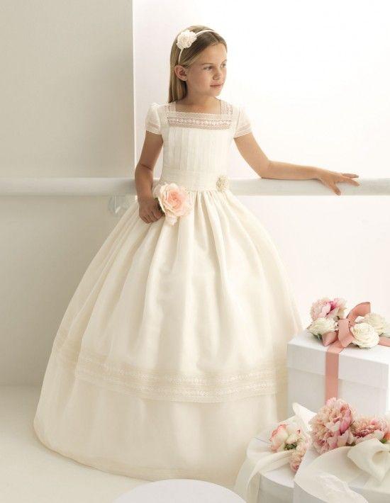robes enfants http://www.rosaclarafirst.com/?portfolio=amaia