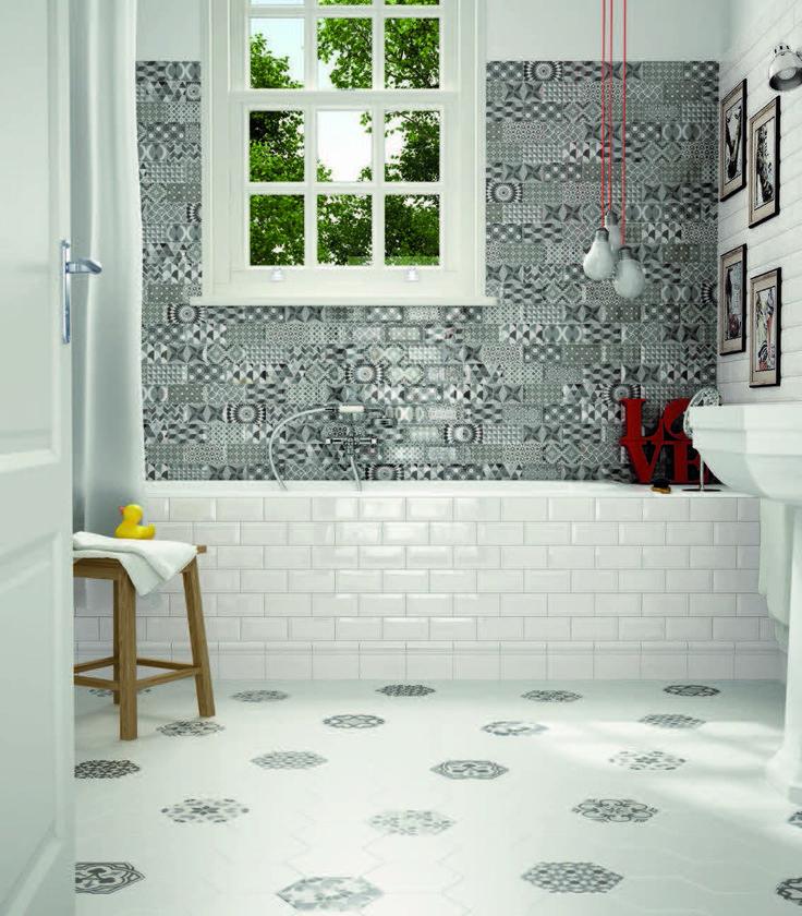 EQUIPE Metro White 7, 5x15 / Metro Patchwork B&W 7, 5x15 / Skirting Blanco Brillo 15x15 / Hexatile Blanco Mate 17,5x20 / Hexatile Harmony B&W 17, 5x20