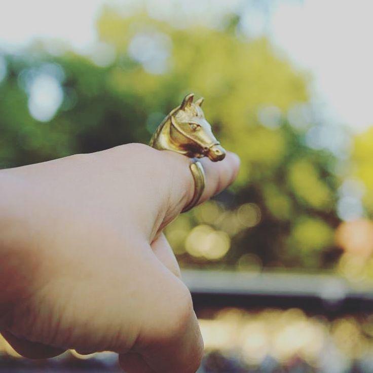 Irány a Lómező 🐴  Horse shape, brass statement ring   #szputnyik #accessories #szputnyikshop #budapest