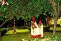 Рождественские свечи (скульптуры из пластиковых бутылок)