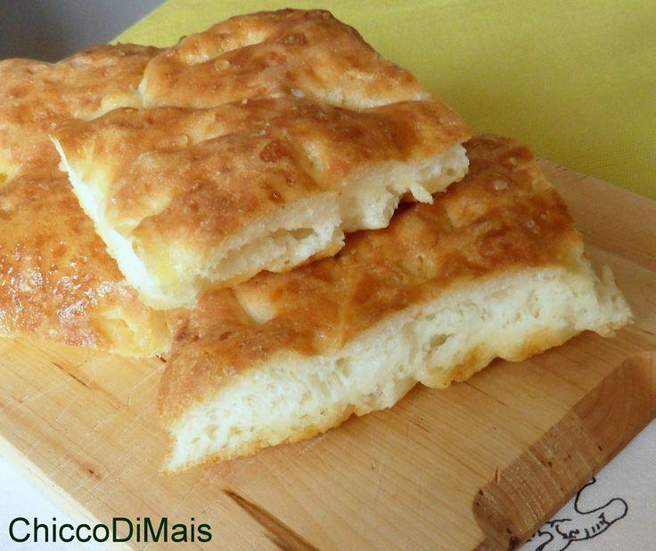 Focaccia genovese ricetta senza glutine il chicco di mais http://blog.giallozafferano.it/ilchiccodimais/focaccia-genovese-ricetta-senza-glutine/