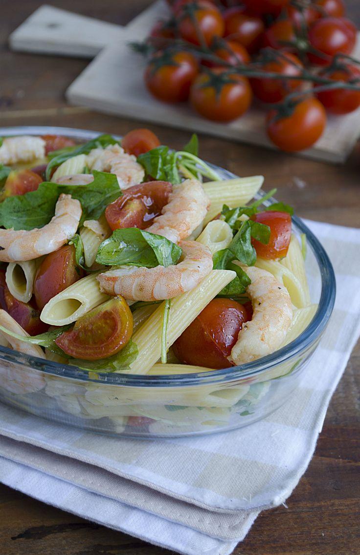 pasta fredda con gamberi rucola e pomodorini ricetta primo estivo veloce gustoso
