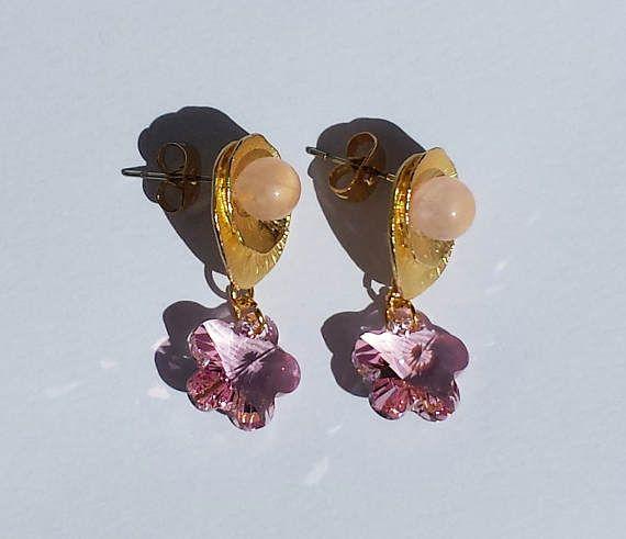 Orecchini in metallo dorato quarzo rosa e cristalli Swarovski
