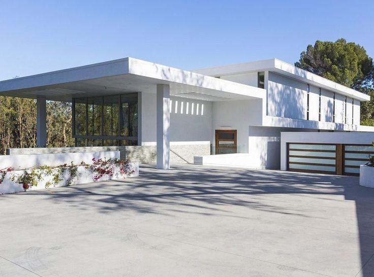 Inside Beyonce and Jay Z's New Los Angeles Home - HarpersBAZAAR.com