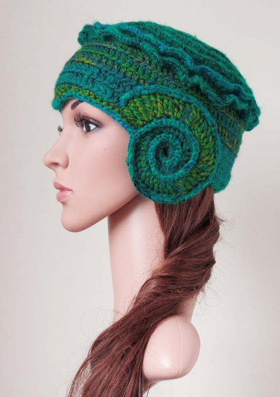 Green Cloche Hat Women's Winter Wool Hat ♡ by MinnaMatildaDesigns