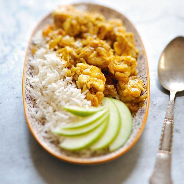 Découvrez sans attendre notre recette de curry de poisson et riz basmati. Gourmand et facile à faire, ce plat va régaler vos invités.