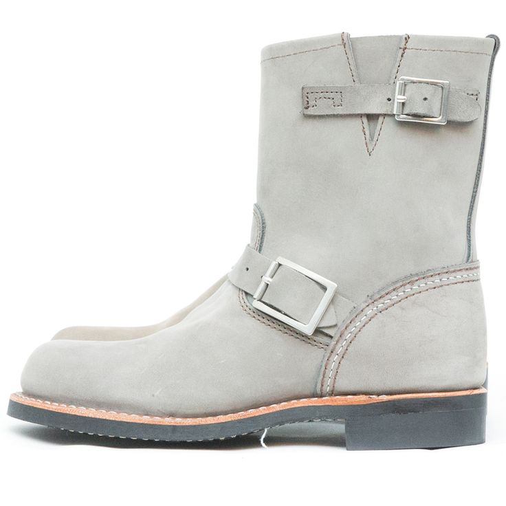 The Red Wing Shoes Short Engineer 3355 Charcoal Chinook is a Red Wing Shoes Women style from the Core Collection. The Core Collection features the most popular styles from our men's collection, completely redesigned with smoother cow hide and a softer insole, resulting in a boot that is much more comfortable but just as tough as our men's collection. The ... Read More