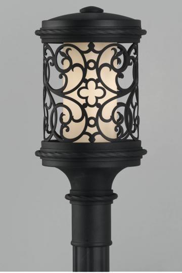 La Vienna Outdoor Lamp Post