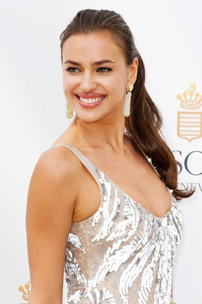Irina Shayk Ponytail: Hairstyles Fashion, Layered Hairstyles, Hair Beauty, Irina Shayk, Shayk Ponytail, Beautiful Hair, Ponytail Hairstyles, Hair And Beauty