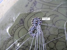 A Bobbin Lace Lover: Cómo hacer flores de Encaje de Duquesa/ How to make Duchess Lace flowers