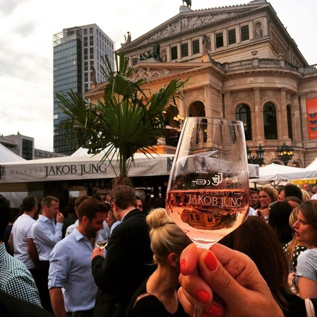 Nice to have this wonderful fest right in front of our door! Drop by to say hello ☺ #opernplatzfest #opernplatz #alteoper #fest #strassenfest #charlot #wein #wine #drink #fun #friends #summer #frankfurt #glass #germany #travel #instagood #instalike #instadaily #instatravel #architecture