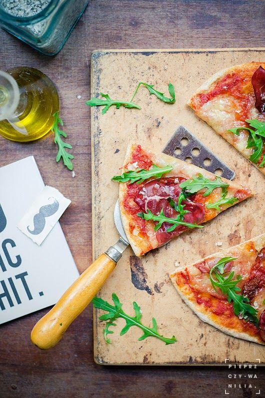 pieprz czy wanilia fotografia i kulinaria: Jak to miło powspominać... :) Pizza ciut ciut jak z rzymskiego snu.