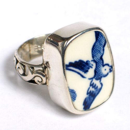 Blue Willow Size 8 Broken China Jewelry Ring from www.vbelle.com