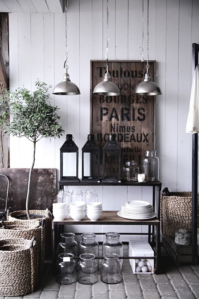 Olive trees, lanterns, baskets French lighting gorgeous! En inspirationsrunda…