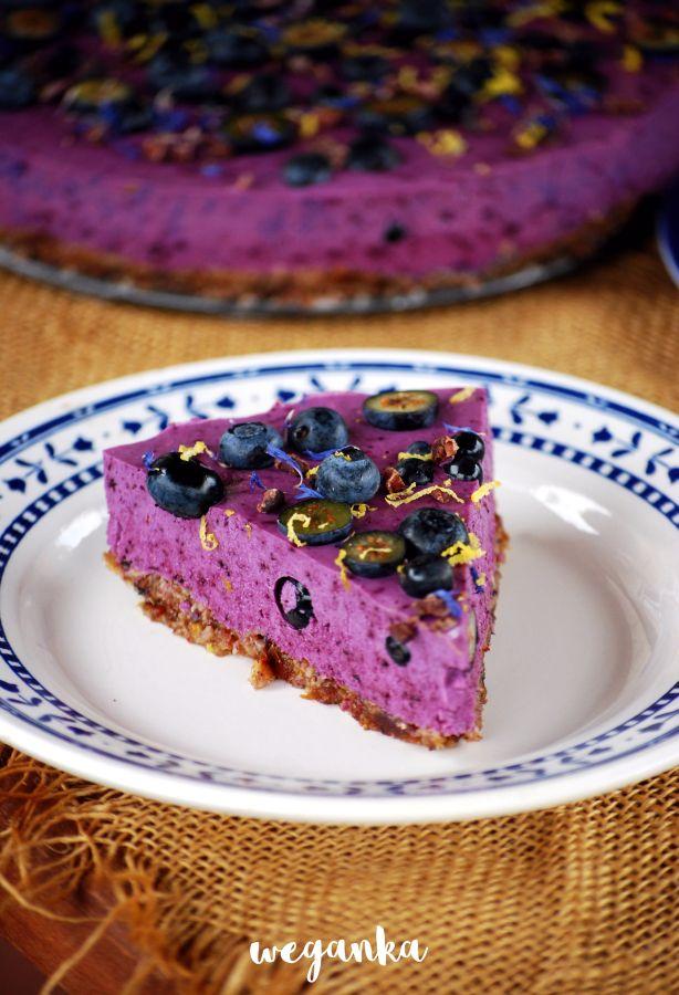 Borówkowe ciasto z nerkowców na zimno.