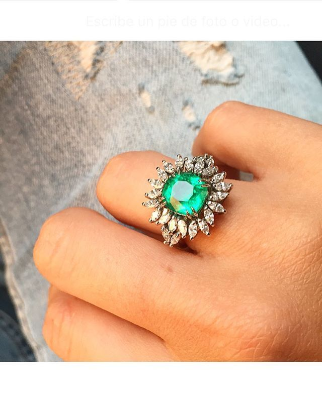 Put some Green on it  #bespokefinejewelry #modular #ringjacket #soclever #exclusivedesign
