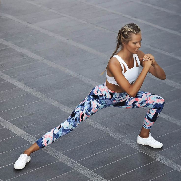 Styling up the Power Leggings in Lava Print @fakander