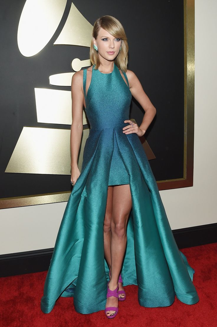 Taylor Swift in Elie Saab at the Grammy Awards. (Photo: Larry Busacca/Getty Images For Naras)