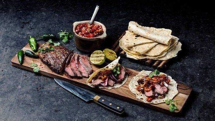 Flank steak fajitas med pico de gallo. Godt.no