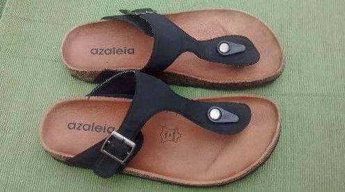 """Modelos De Sandalias Azaleia. """"Diseños y colores de sandalias""""     ¿Sabes de donde es la empresa de calzadoazaleia? Esta empresa es brasileña y esta gran empresa nos trae para este verano una gran variedad de sandalias de colores. En este post vas a conocer unos grandes diseños para este año 2016. Donde conocerás las mejores sandalias que dan la comodidad para tus pies.  Para conseguir las sandalias azaleia es en los....  Modelos De Sandalias Azaleia. Para ver el artículo completo ingresa…"""