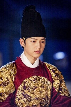 Song Joong Ki as the young King Sejong in A Tree With Deep Roots