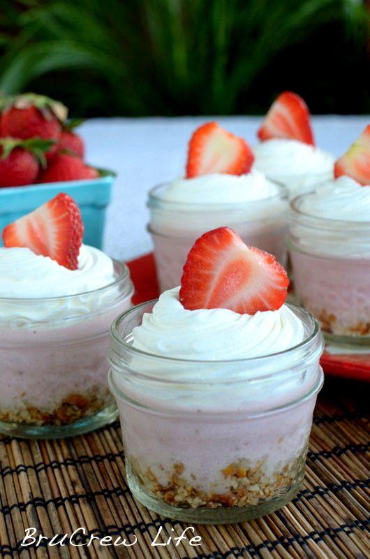 No Bake Strawberry Cheesecake from insidebrucrewlife.com - easy strawberry cheesecake made in a blender #cheesecake #nobake