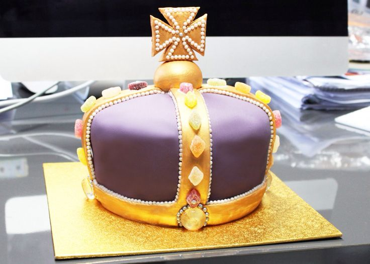 62 Best Tiara Amp Crown Cakes Images On Pinterest Princess