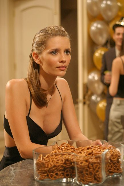 Marissa Cooper (The O.C.) and the style that transcends high school.