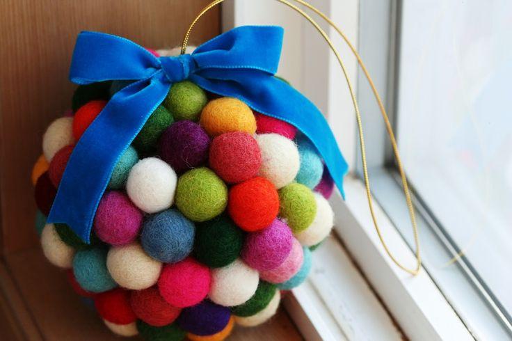 Carosello: Making Christmas - DIY Kissing Ball by A Bit of Sunshine