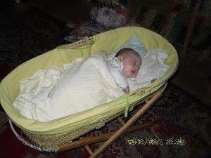 Łóżko dla niemowlaka, czyli rodzicielskie dylematy