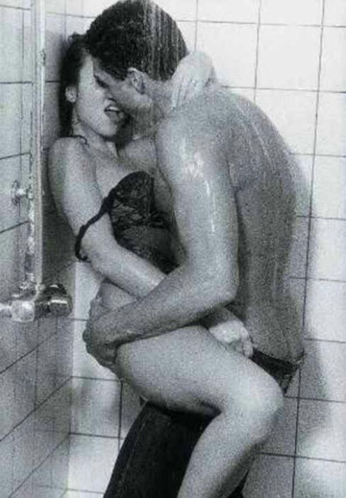 www.sex in the shower.com Tattooed Beauty anal sex in the shower.