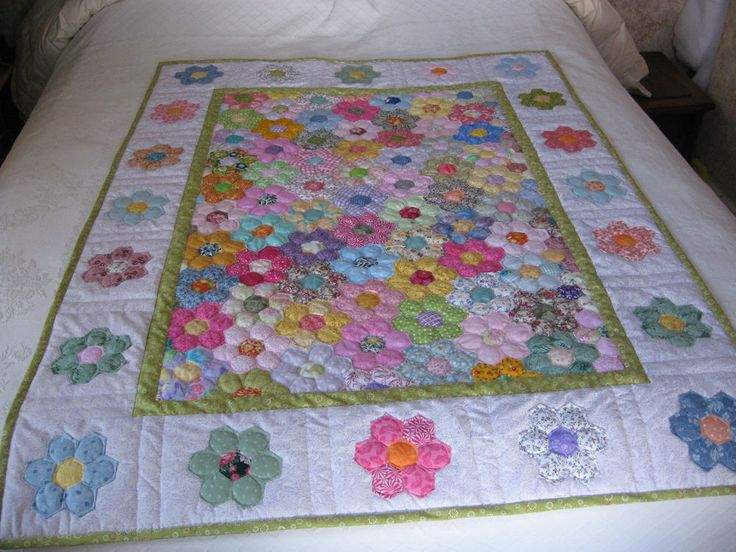 Handpieced grandmothers flower garden multi color baby lap table topper quilt hexie paper for Grandmother flower garden quilt pattern variations