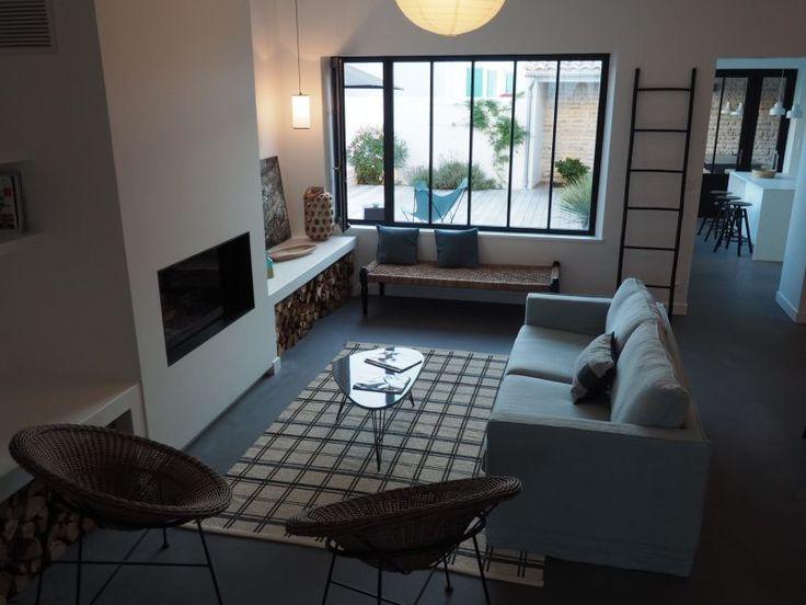 deco maison neuve amazing une maison neuve dcore par mh deco en normandie with deco maison. Black Bedroom Furniture Sets. Home Design Ideas