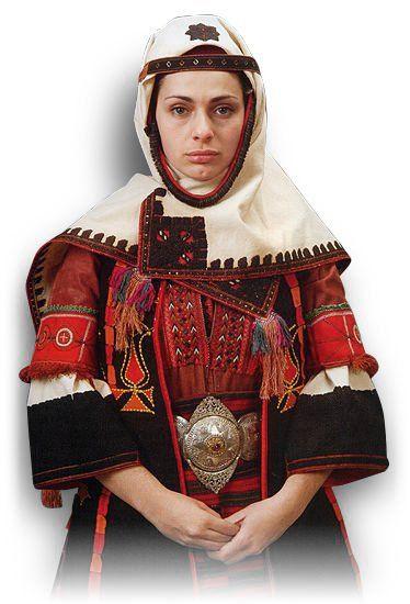 Невестинска зимна носия – с. Киркьой, Солунско.