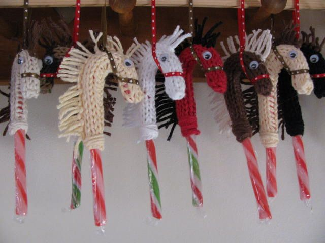 candy canes and hobby horses, I will be making these. LOL very cute