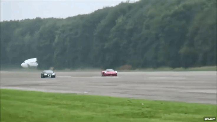 最速対決 ラ・フェラーリ VS ブガッティ・ヴェイロン。 速い車はどっちだ? 写真・画像