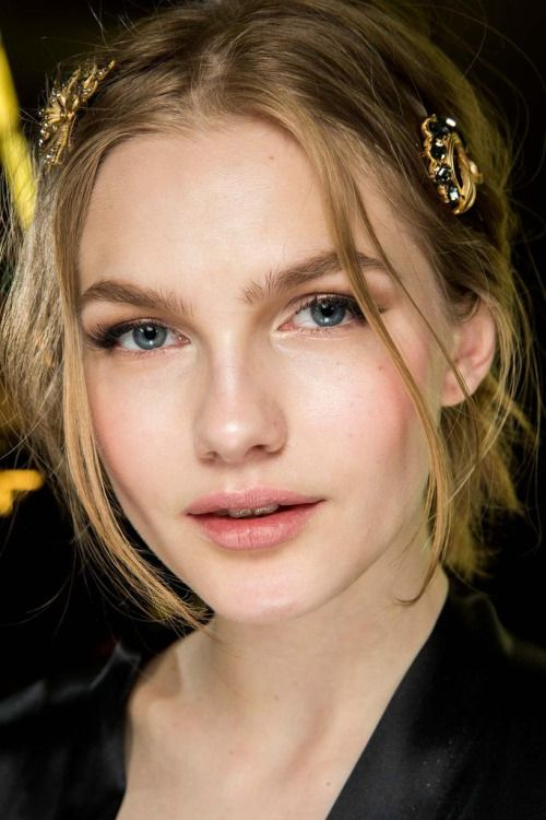 mulberry-cookies:Backstage @ Dolce & Gabbana Fall 2015