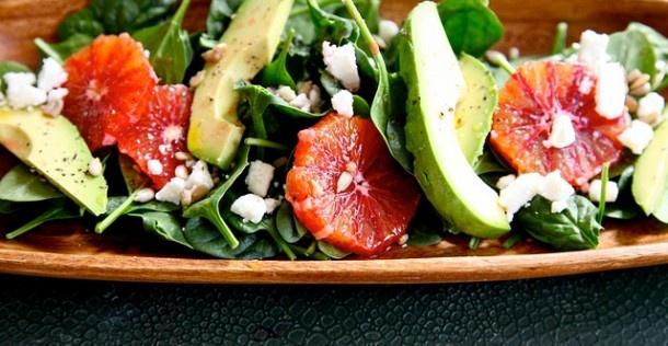 Salade van feta, spinazie en bloedsinaasappel | NSMBL.nl