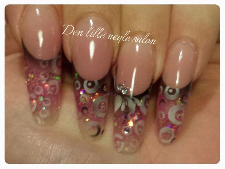 air brush nail art.  made in my salon in denmark.  www.facebook.com/denlilleneglesalon