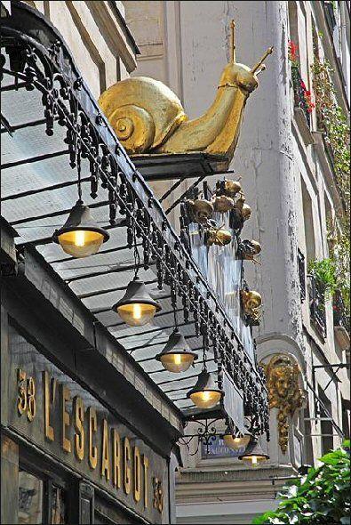 "rue Montorgeuil - Paris 1er--L'enseigne du restaurant ""L'Escargot Montorgueil"""