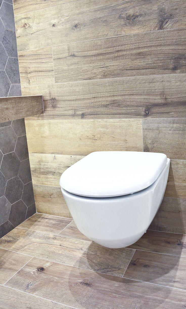 #viverto #InspiracjeViverto #łazienka #bathroom #beautiful #perfect #pomysł #design #idea #nice #cool #inspiration #szarość #szary #grey #nowoczesność #nowocześnie #minimalizm #minimalistic #płytki #tiles #grzejnik #industrializm #industrialnie  #toaleta #ceramika   #wow #moda #trend #drewno #drewnopodobne #imitacja #wood #wooden #WC