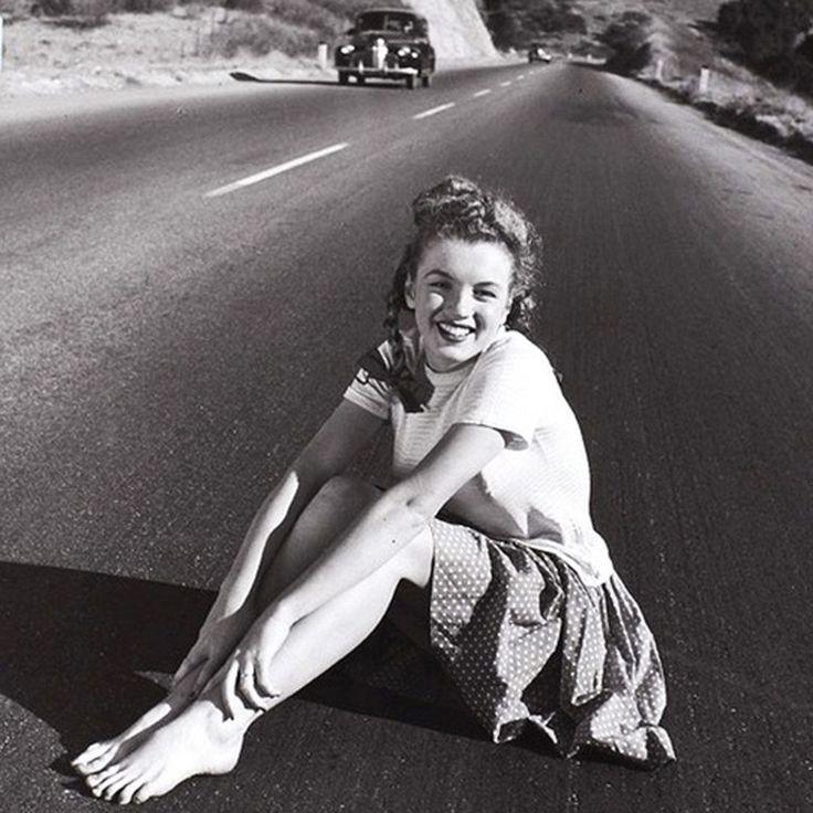 Мэрилин Монро в 19 лет. 1945 год.
