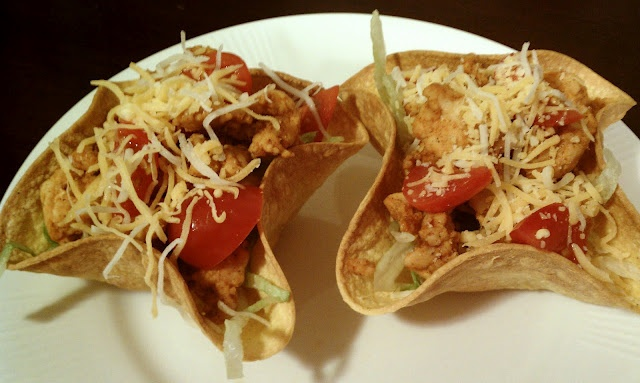 Monday, February 14, 2011  Mini Taco Bowls Source: Emily Bites OriginalYields 3 (2 taco) servings. Weight Watchers Points Plus: 5 per serving.  The points per 2 taco serving remain the same whether using the extra lean ground turkey or the 95% lean ground beef.