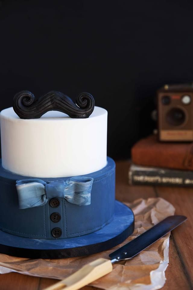 Hipster cake with mustache - Food stylist: Megan Daniels - Photographer: Melissa Delport - Centerpiece Cakes